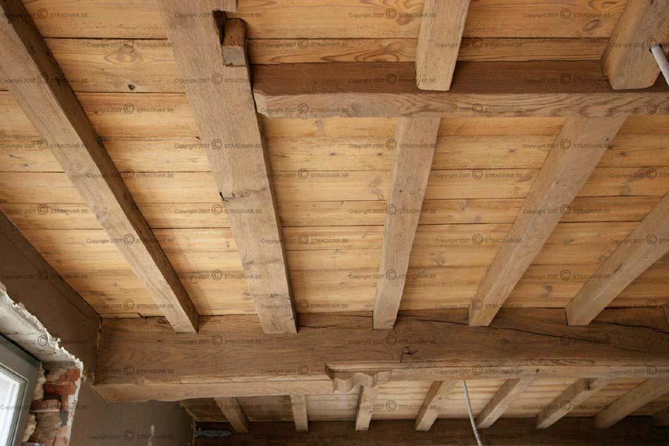 Badkamer met houten plafond badkamers voorbeelden badkamer vol met houten planken kom naar - Houten lambrisering plafond badkamer ...